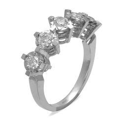Ring aus 585 Weissgold mit 0,44 Karat Diamanten