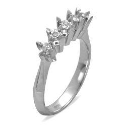 Ring aus 585 Weissgold mit 0,22 Karat Diamanten