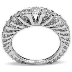 Ring aus 750 Weissgold und 0,19 und 1,65 Karat Diamanten