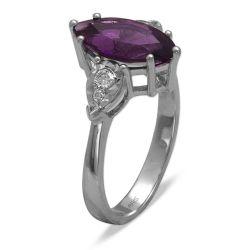 Ring aus 585 Weissgold mit 0,12 Karat Diamanten und einem 1,68 Karat Edelstein